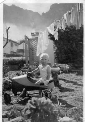 baby-and-pedalcar.jpg